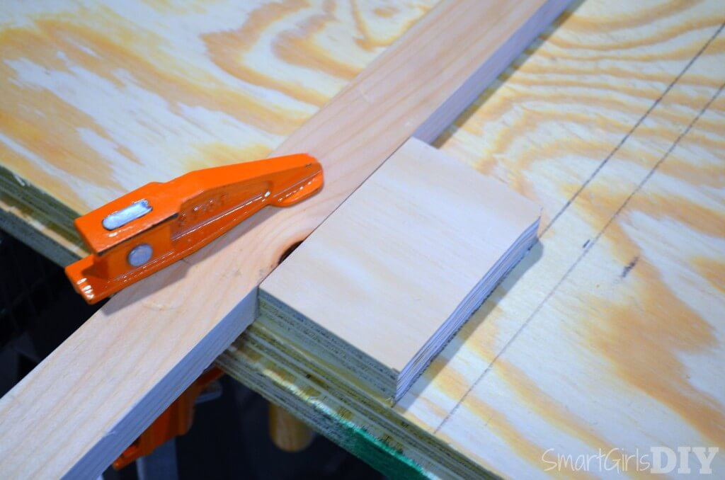 Setting up a router guide to make dado joints for laundry basket shelf
