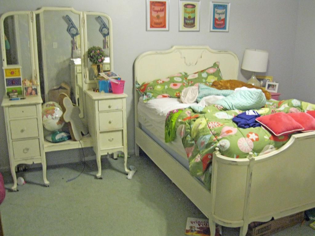 Bedroom Still needs a Makover (2)