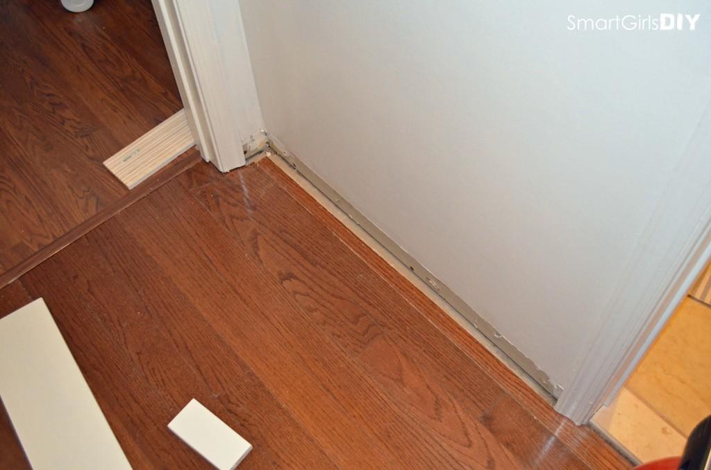 Crazy big gap in floor due to poor installation - I hate quarter round molding