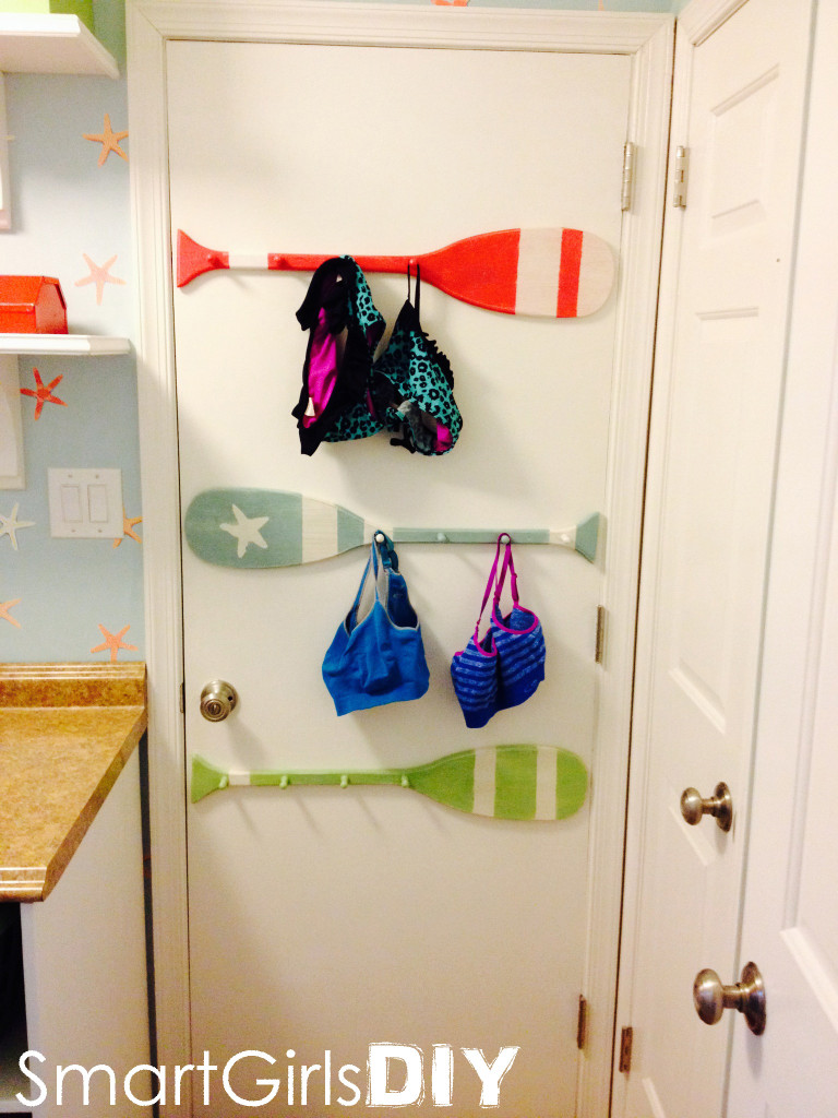 Smart Girls DIY - Paddles to dry clothes in laundry room