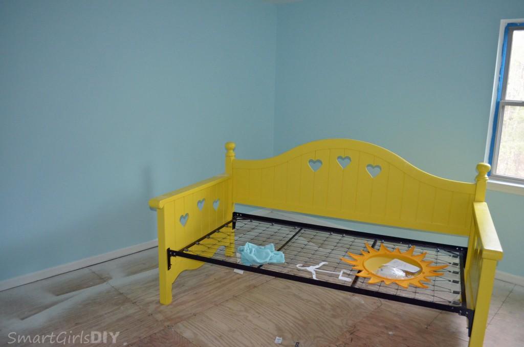 Lulu's bedroom painted but still no carpet