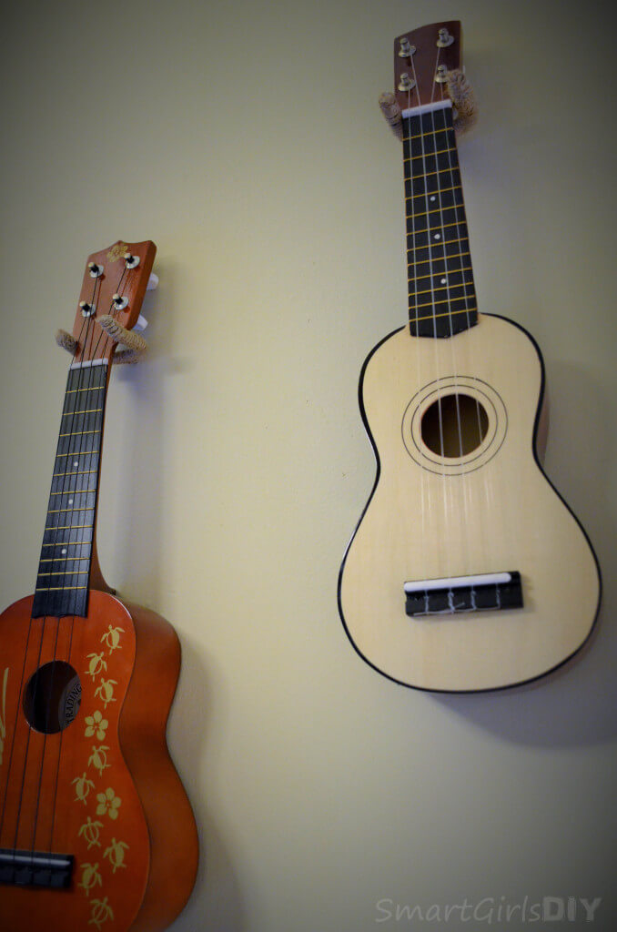 Make your own ukelele holder to hang on wall