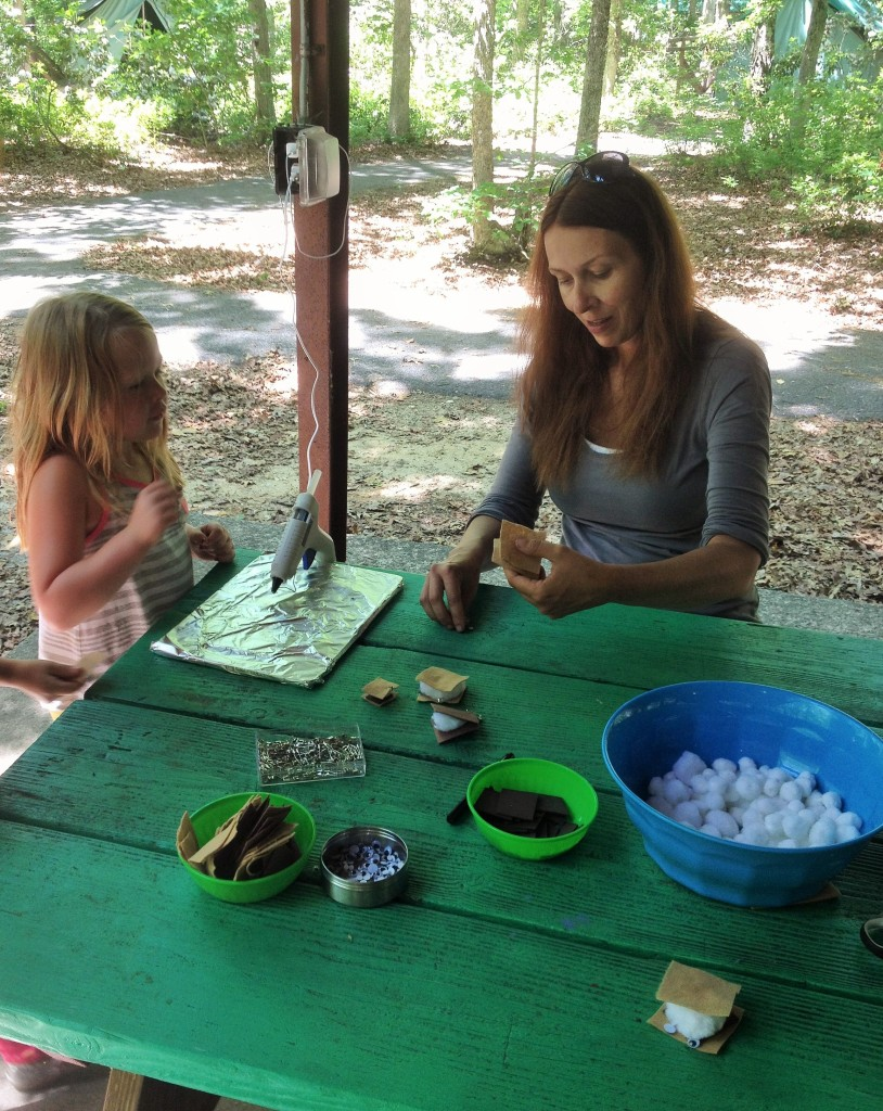 Making marshmallow s'mores camping SWAPS with Daisy Girl Scouts