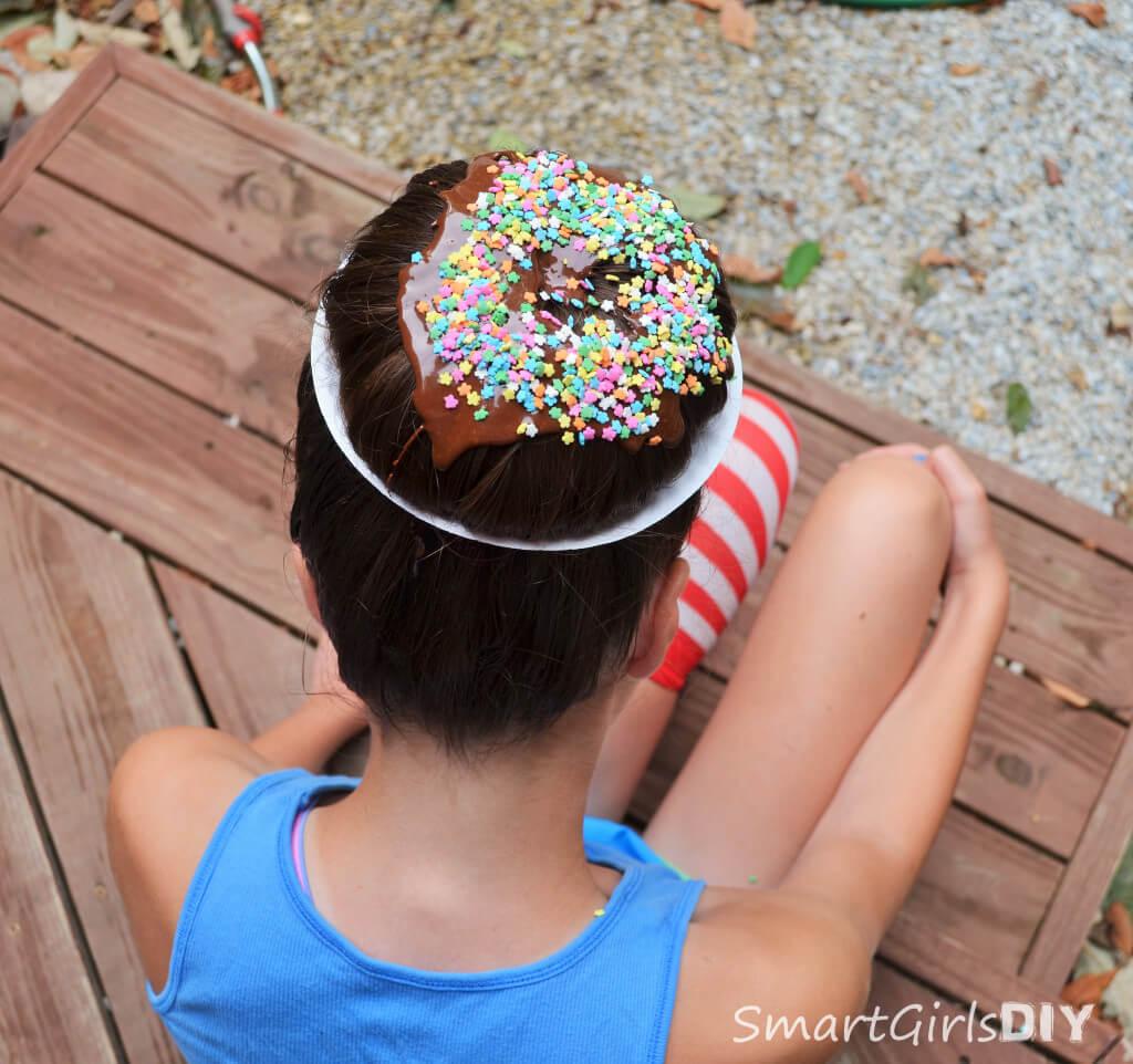 Donut hair style made from a sock bun - Smart Girls DIY