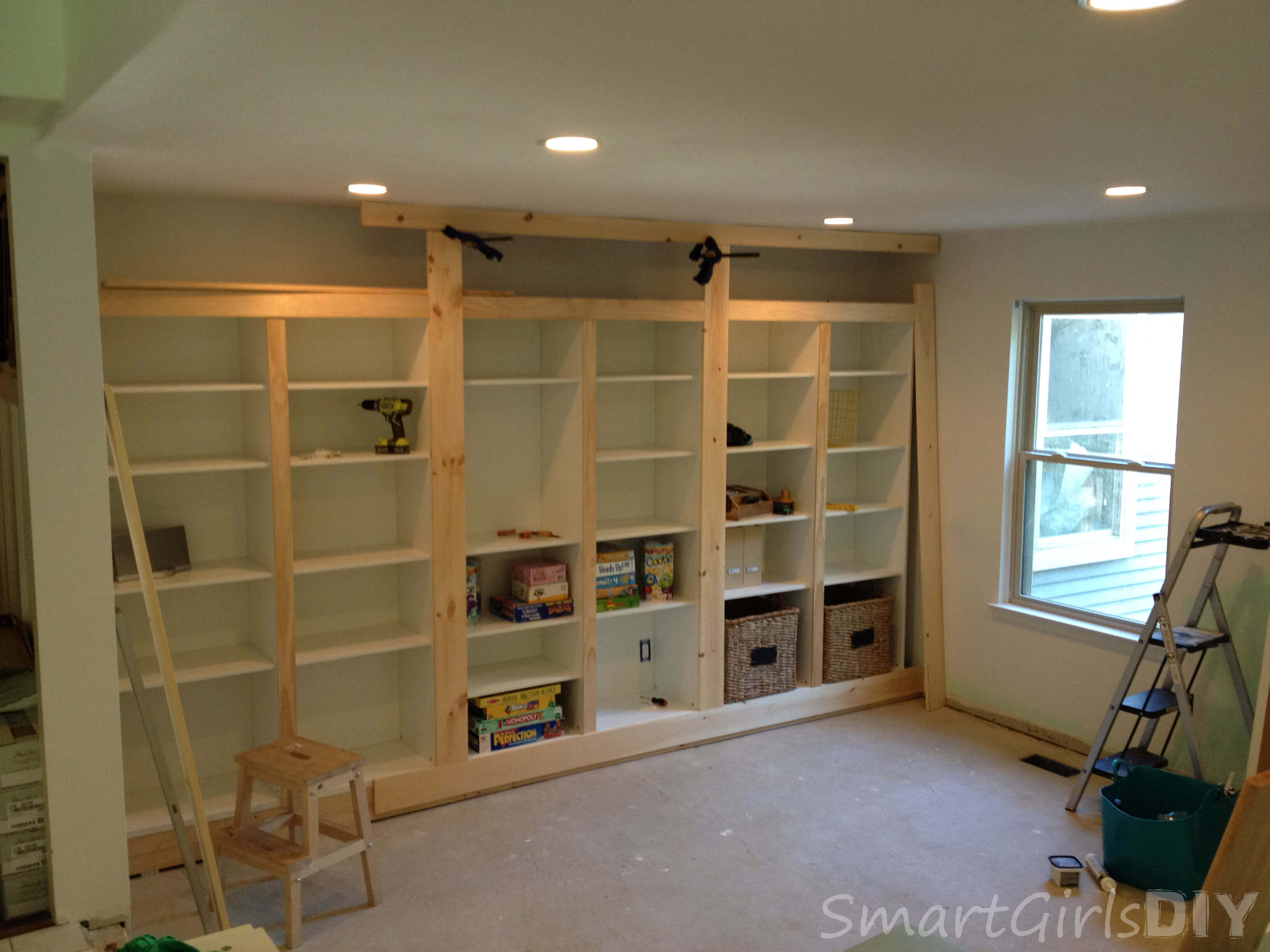 Built-In Bookcase and Why It's Not Finished (Family Room 7)