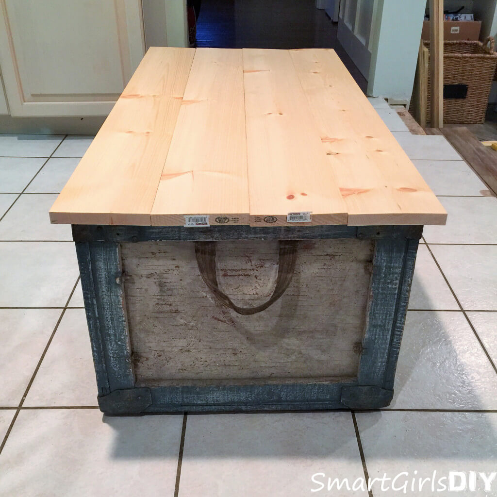 Building a Lego top for a vintage crate coffee table