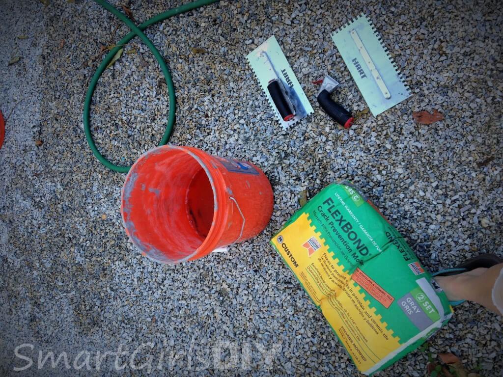 Mixing Flexbond crack preventing mortar
