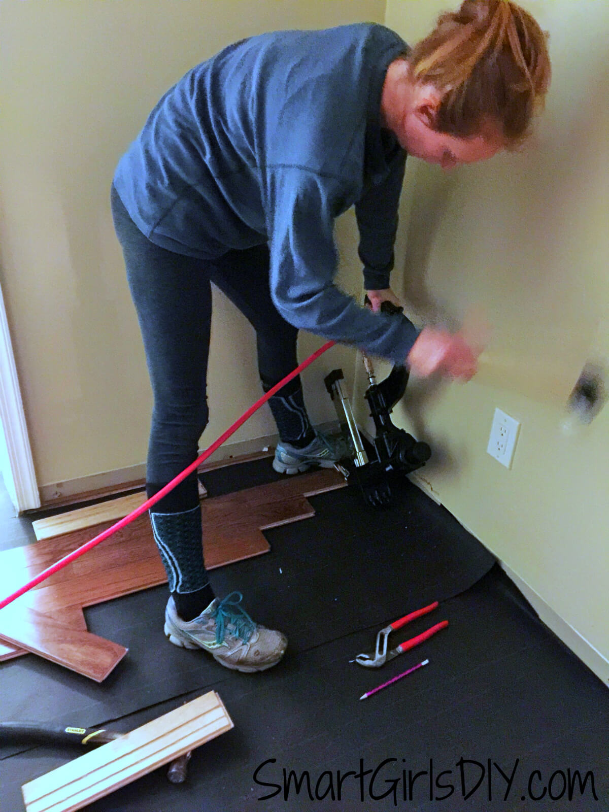 How to install baseboards over carpet - Over Hardwood Flooring 9 S How To Install Wall Carpet Tos Diy Should I Install My Own Carpet Carpet Sferakino