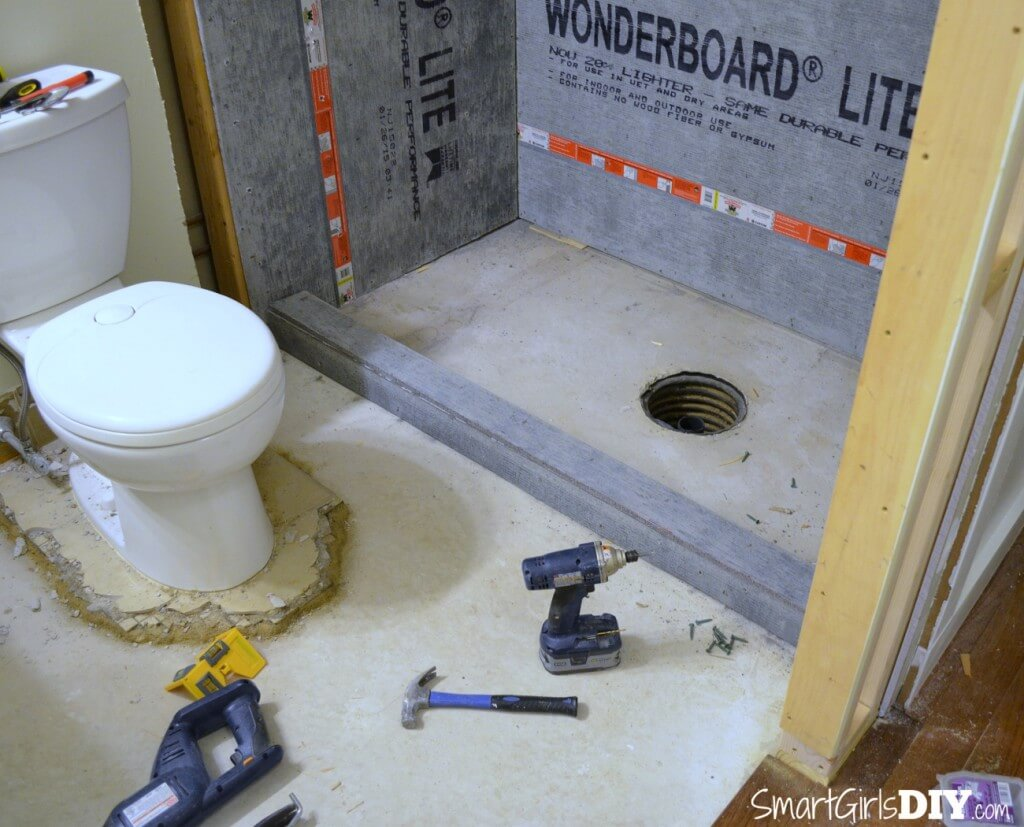 Building DIY shower curb with cement board