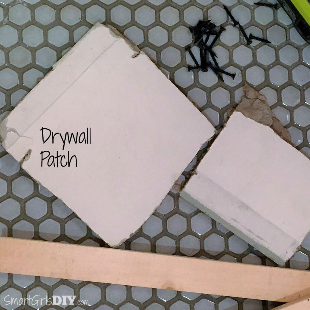 Drywall patch to fix hole in wall+